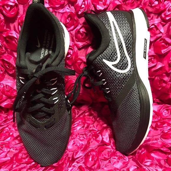 Nike zoom strike women s running shoe. M 5ad95edc331627bf71cc23a5 9dd4ee722
